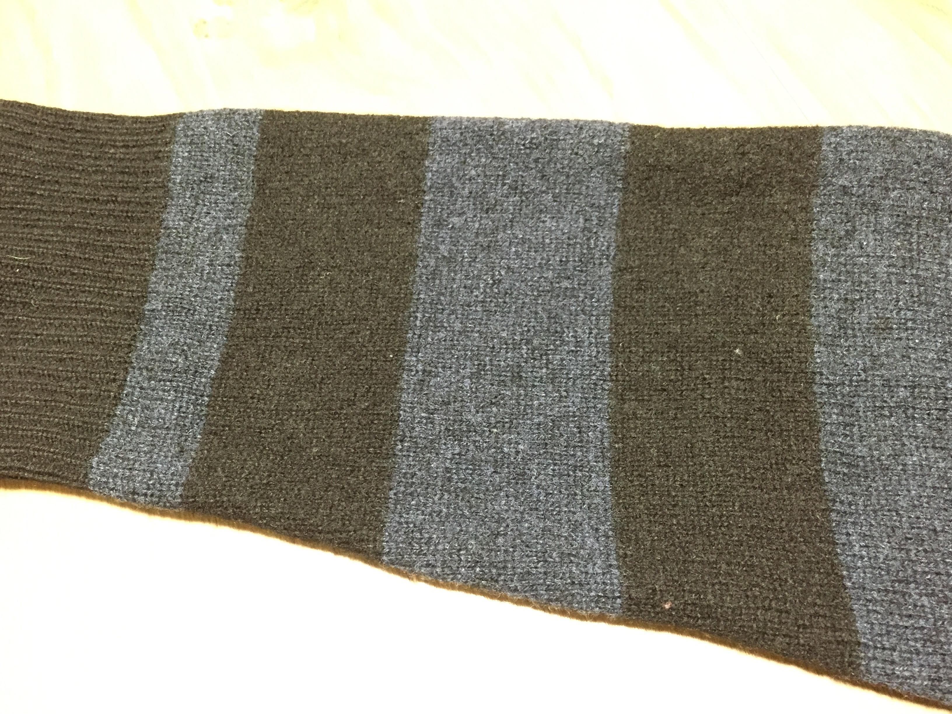 毛玉取りセーター